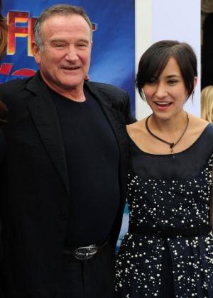 """Robin Williams e sua filha Zelda na estreia mundial do filme """"Happy Feet 2"""", na Califórnia, em 2011"""