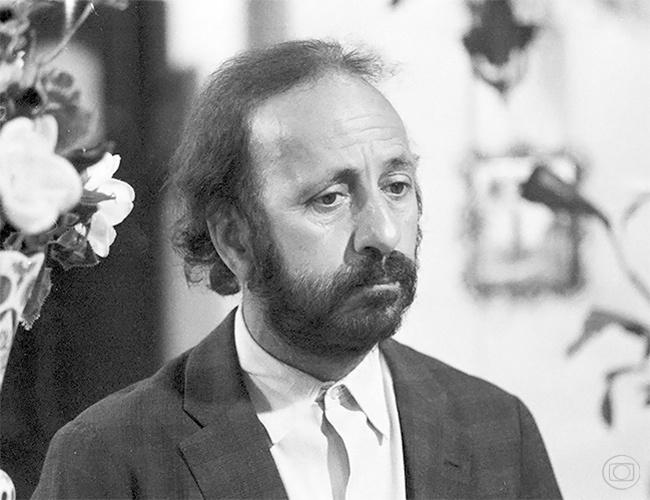 """Flavio Migliaccio na pele do Seu Moreira, de """"Rainha da Sucata"""", em 1990"""