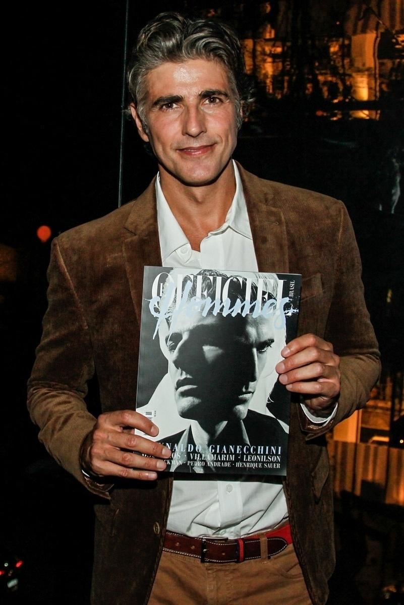 14.ago.2014 - Reynaldo Gianecchini lança a terceira edição da revista L'Officiel Hommes Brasil em um restaurante, em São Paulo.