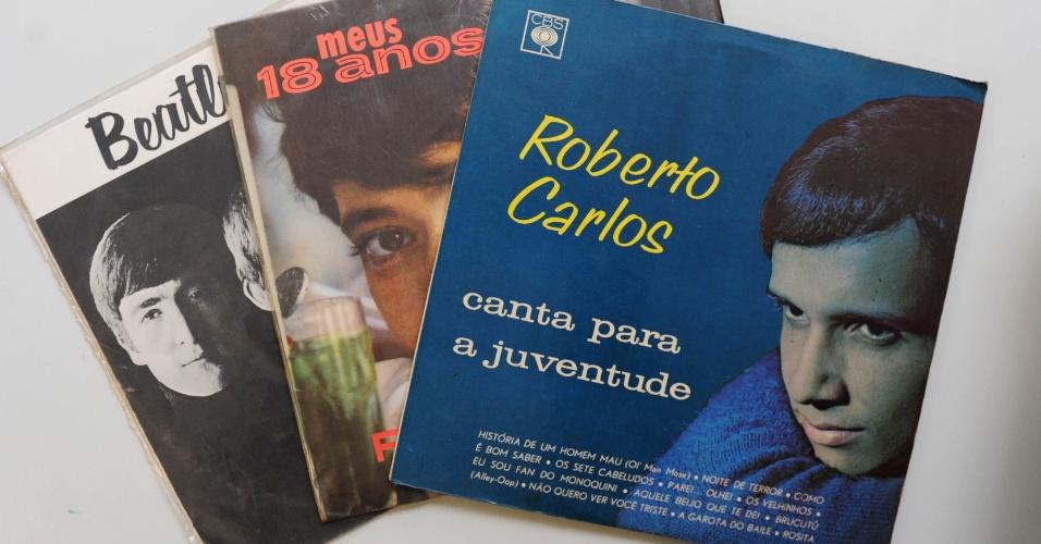 """15.ago.2014 - Os três primeiros discos de Zero Freitas: """"Roberto Carlos Canta para a Juventude"""" (1965), Rita Pavone - """"Meus 18 Anos"""" (1965) e Os Beatles - """"Beatlemania"""" (""""With the Beatles"""", 1963)"""