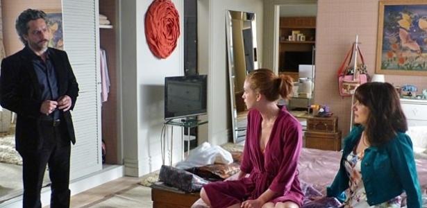 Magnólia aconselha Maris Ísis quando José Alfredo surge no apartamento