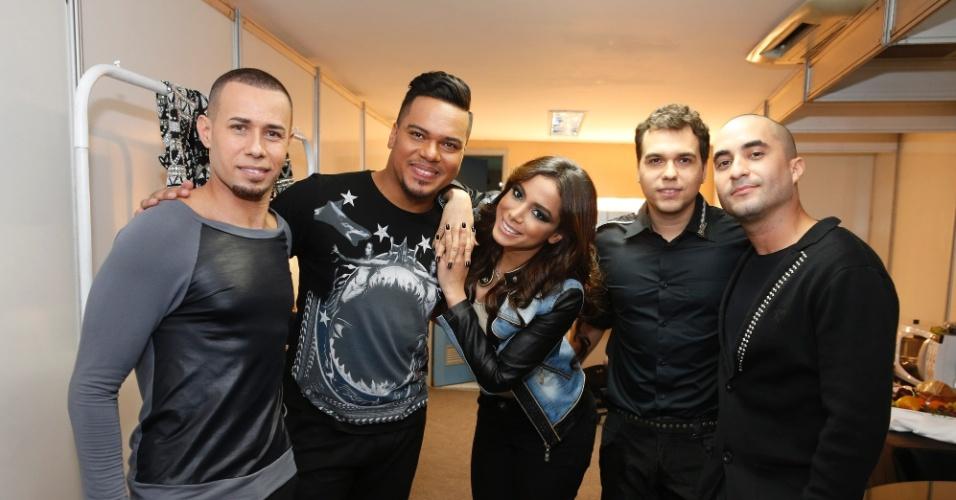 15.ago.2014 - Sorriso Maroto grava DVD no Maracanãzinho, no Rio de Janeiro, com participação de Anitta e do grupo Bom Gosto
