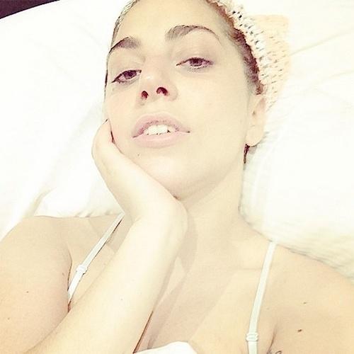 16.ago.2014 - Lady Gaga surpreende fãs ao postar no Instagram uma foto em que aparece totalmente sem maquiagem.