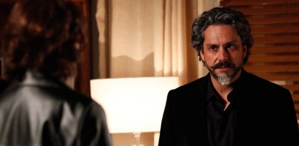 """Em """"Império"""", José Alfredo ouve Maria Marta planejando matar Lorraine"""