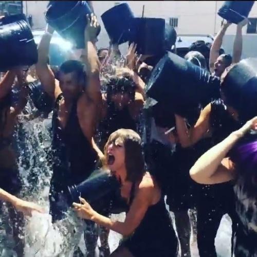 Taylor Swift levou um balde de água fria coletivo