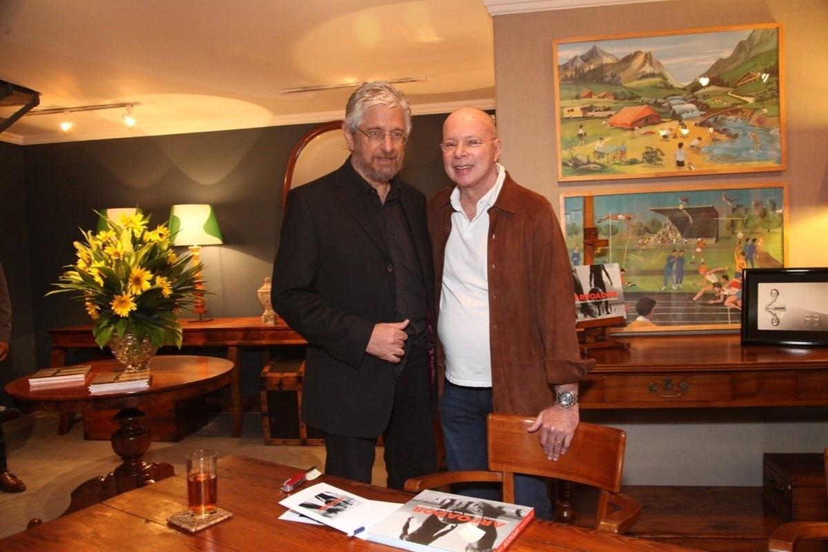 20.ago.2014 - Gilberto Braga e o fotógrafo Frederico Mendes lançaram o livro