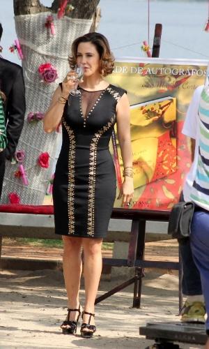 """20.ago.2014 - Guilhermina Guinle grava a série """"Os Homens São de Marte... E é Pra Lá Que Eu Vou"""" na Lagoa Rodrigo de Freitas, no Rio de Janeiro"""