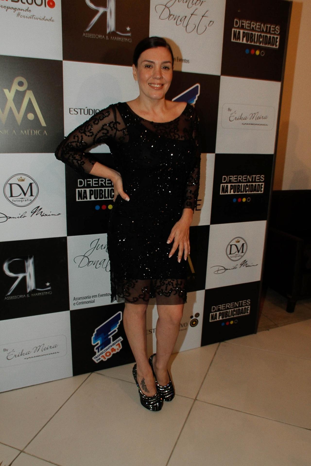 20.ago.2014 - Simony gravou DVD em comemoração aos 30 anos de carreira em uma casa de shows em São Paulo