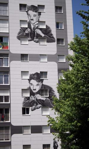 As fachadas dos edifícios do bairro de Gilamont foram decoradas pelo artista francês Franck Bouroullec com grafites de imagens de cenas de clássicos do cinema protagonizados por Charles Chaplin