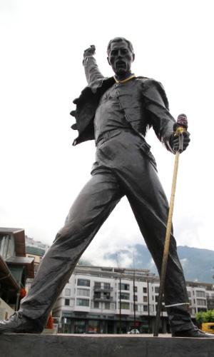 Estátua do ex-vocalista do Queen pode ser vista em Mountrex, cidade suíça onde Freddie Mercury e os outros integrantes da banda encontraram refúgio para compôr músicas e gravar álbuns no Mountain Studio, do qual eram donos