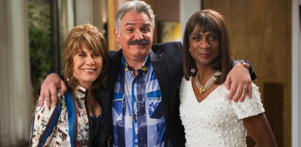 "Gláucia (Renata Sorrah), Jesus Hernandez (Hubert) e Dorothy (Luis Miranda) em cena de ""Geração Brasil"""