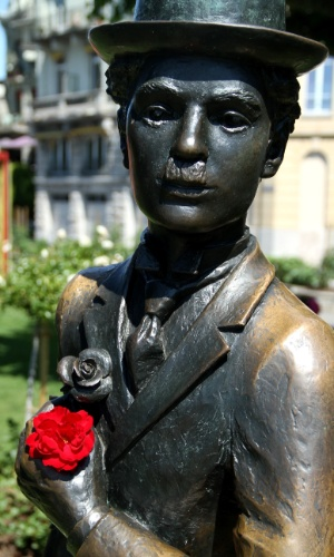 Detalhe da estátua de Charles Chaplin, em Vevey, na Riveira de Montreux, na Suíça