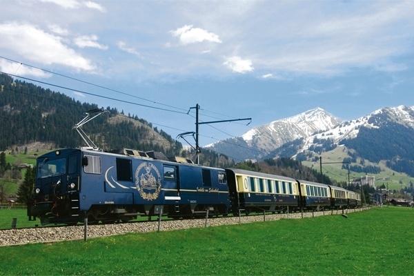 Vista do Golden Pass Line, rota ferroviária que vai de Lucerna a Montreux, considerado o primeiro roteiro panorâmico do mundo
