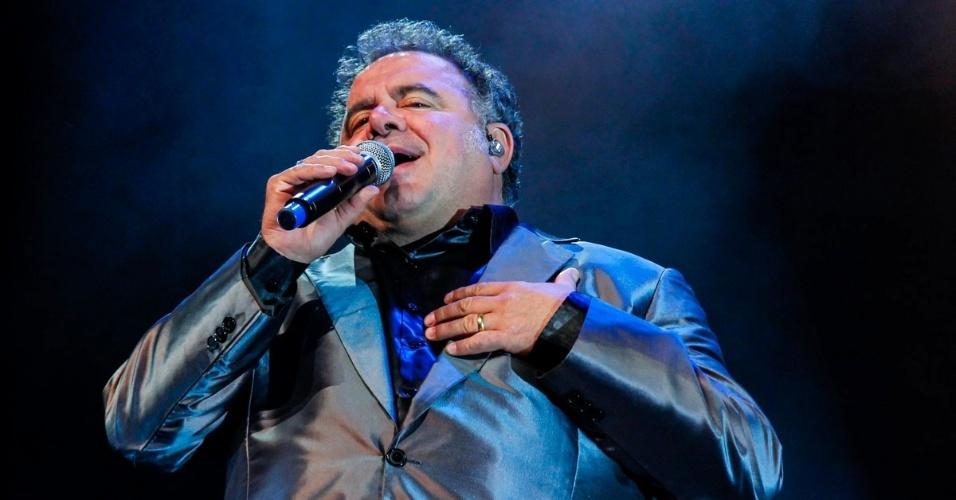 21.ago.2014 - Léo Jaime comemora 30 anos de carreira com show no HSBC Brasil, na zona sul de São Paulo, na noite desta quinta-feira