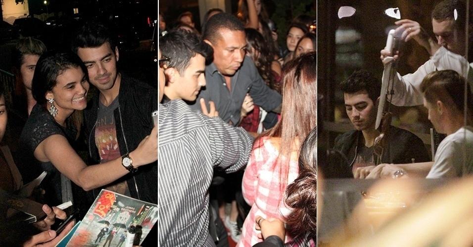 21.ago.2014 - Uma pequena multidão de fãs aguardava o cantor Joe Jonas na loja de uma grife no shopping Leblon, no Rio de Janeiro.