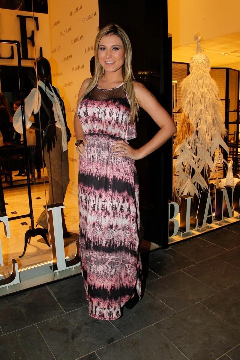 22.ago.2014 - Andressa Urach prestigiou o lançamento da nova coleção de uma grife feminina. O evento aconteceu no bairro dos Jardins, em São Paulo