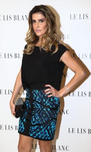22.ago.2014 - Deborah Secco prestigiou o lançamento da nova coleção de uma grife feminina. O evento aconteceu no bairro dos Jardins, em São Paulo