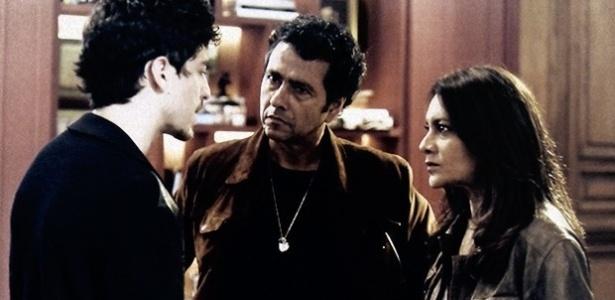 Alain(Jesuíta Barbosa) confessa ter matado Bruno (Daniel Oliveira) para a polícia
