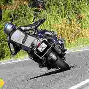 BMW R 1200 GS Adventure vs. Triumph Explorer XC - Mario Villaescusa/Infomoto
