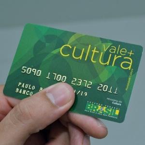 O cartão vale-cultura: 82% das operações são em compra de livros - Divulgação