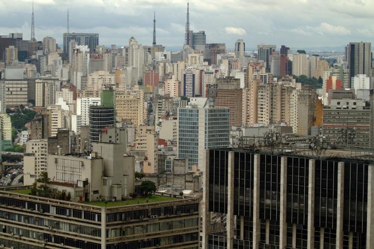 Centro de São Paulo visto do mirante da Torre do Banespa, uma das  opções para observar a cidade do alto