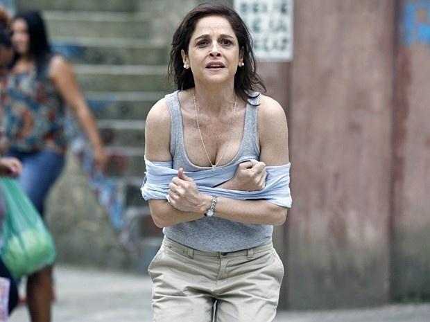 Cora diz que foi atacada por Robertão e faz um escândalo