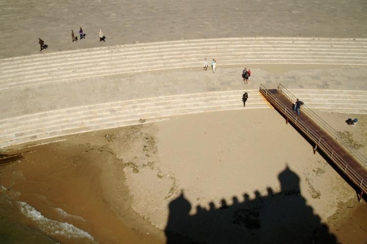 Lisboa, capital de Portugal, guarda alguns endereços que também garantem vistas panorâmicas como a Torre de Belém (na foto), fortificação de 1520 localizada no bairro histórico de Belém, e o Elevador de Santa Justa