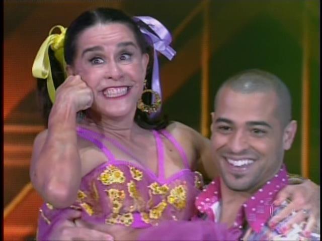 """""""É corpo, alma e energia! Dançar é incrível! Tem que ter entrega e vontade de dançar!"""", disse a atriz antes de se apresentar na """"Dança dos Famosos"""""""