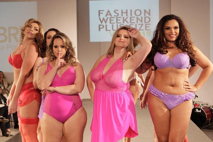 """Modelos desfilam lingeries da Vislumbre na 10ª edição do """"Fashion Weekend Plus Size - FWPS"""", maior evento de moda GG do país. As marcas apresentam suas coleções para o Verão 2015 com manequins que vão do 44 ao 56. O evento teve lugar no Centro de Convenções Frei Caneca, na noite de sábado (23), em São Paulo"""