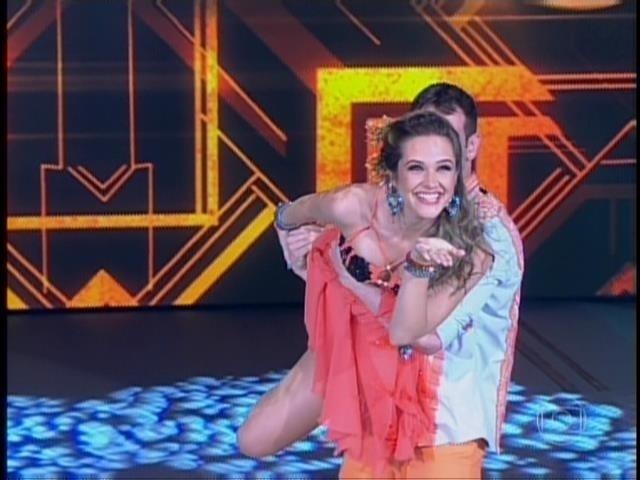 """""""Morei um ano em Fortaleza e dois anos em Salvador. Eu amo o ritmo e amo forró!"""", disse Juliana Paiva antes de apresentar na """"Dança dos Famosos"""""""