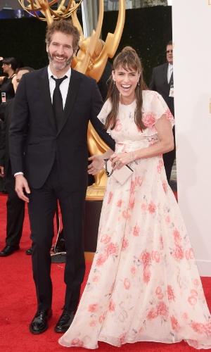 25.ago.2014 - David Benioff e Amanda Peet prestigiam a 66ª edição do Emmy Awards. O evento acontecee no Nokia Theatre, em Los Angeles
