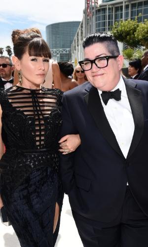 """25.ago.2014 -  Lea DeLaria e Yael Stone, de """"Orange Is The New Black"""", prestigiam a 66ª edição do Emmy Awards. O evento acontece no Nokia Theatre, em Los Angeles"""