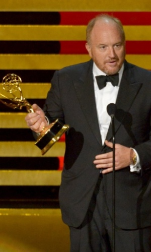 "25.ago.2014 - Louis C.K vence na categoria Melhor Roteirista de Série e Comédia por ""Louie - So Did The Fat Lady"""