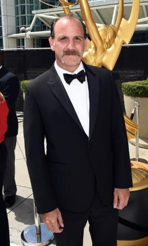 """25.ago.2014 -  Nick Sandow, de """"Orange Is The New Black"""", prestigia a 66ª edição do Emmy Awards. O evento acontece no Nokia Theatre, em Los Angeles"""