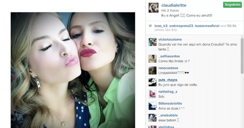 25.ago.2014 - Claudia Leitte se declara para Angélica em rede social.