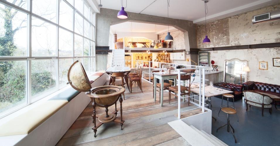 Além de servir almoço e jantar, o Lanificio Cucina também oferece um espaço para apertivos e um rico brunch, aos domingos