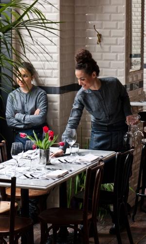 Atmosfera parisiense, charme e sofisticação são as características do Caffè Propaganda, em Roma