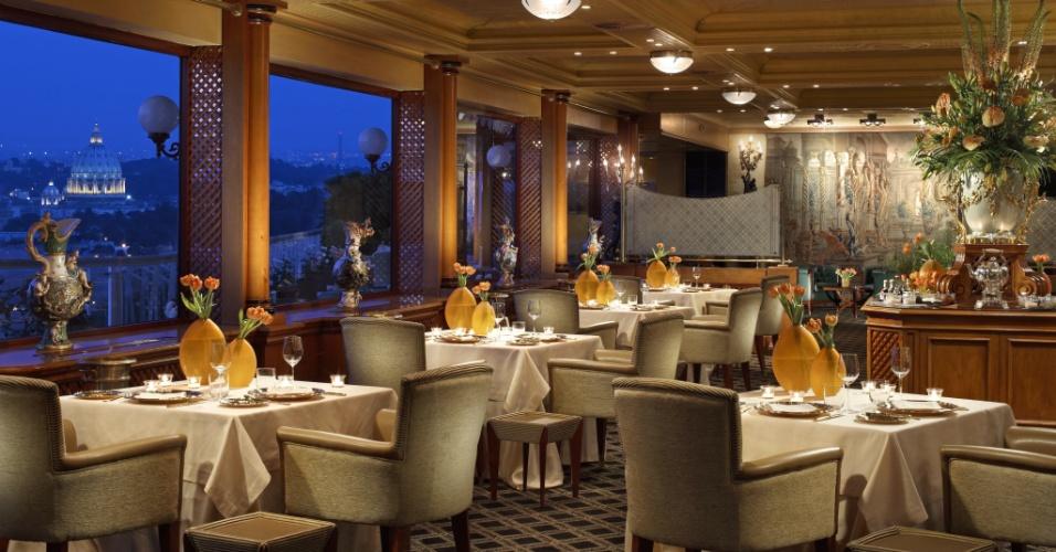 La Pergola, restaurante do Rome Cavalieri Waldorf Astoria Hotels & Resorts premiado com as disputadas três estrelas Michelin, coleciona elogios por parte do público e da crítica