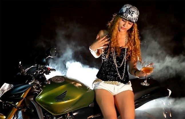 """MC Madonna é dona do hit """"Viver do Luxo"""". A funkeira é representante do funk ostentação"""