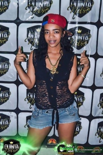 Cheia de marra, MC Rihanna da Baixada tenta ser parecida com a diva
