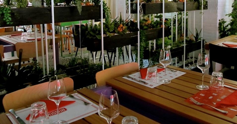 O restaurante Rosso possui 400 metros quadrados dividos entre restaurante, bar e loft garden