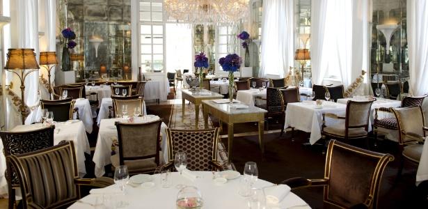 Sala do prestigioso restaurante do hotel Majestic, na famosa Via Veneto, em Roma
