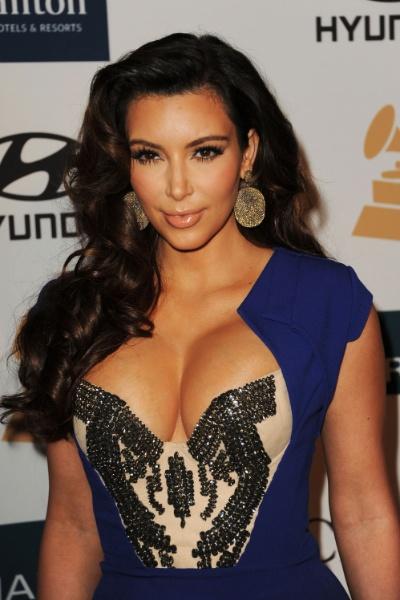 Kim Kardashian - decote 2