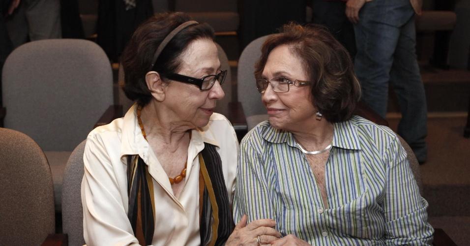 2009 - Fernanda Montenegro e Nathalia Timberg em evento da Rede Globo de apoio ao teatro