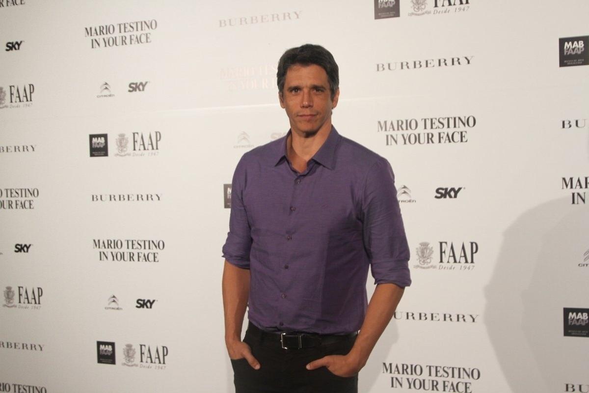 28.ago.2014 - Márcio Garcia prestigiou a abertura da exposição