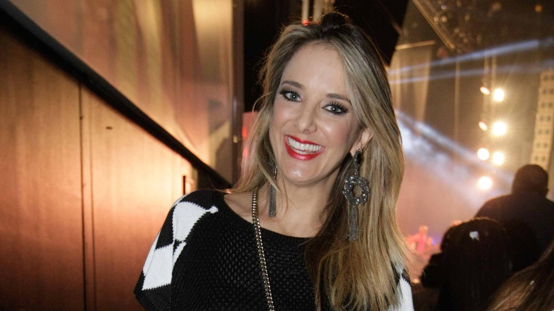 28.ago.2014 - A apresentadora Ticiane Pinheiro vai ao show de Ivete Sangalo no Espaço das Américas, na zona oeste de São Paulo, para recordar seus grandes sucessos e comemorar 20 anos de carreira nesta quinta-feira