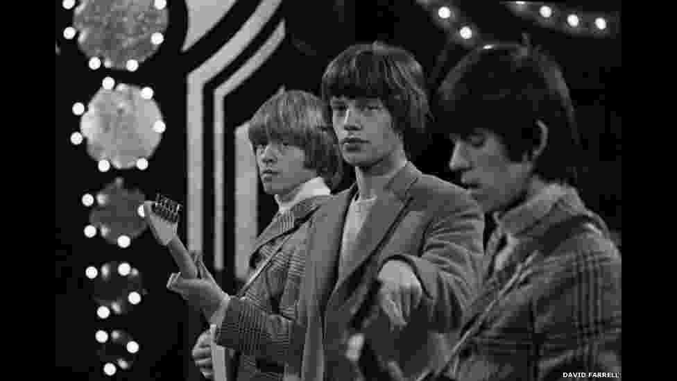 Rolling Stones durante apresentação em 1963 - David Farrell
