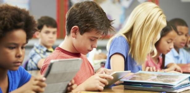 Estudo questiona uso excessivo de tablets e celulares por crianças - Thinkstock