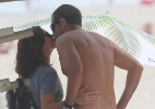 Após treino funcional e mergulho no mar, Antonelli beija o marido na praia - Dilson Silva/AgNews