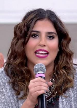 Camilla Camargo critica excesso de preocupação masculina com a vaidade